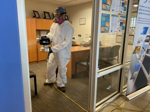 Job cleaning inside the office